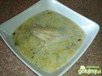 Zupa ogórkowa na skrzydełkach