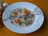 Zupa pieczarkowa z domowym makaronem