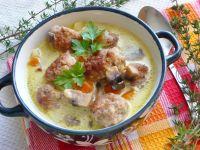 Zupa serowo - pieczarkowa z klopsikami