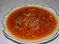 Zupa z mięsem i fasolą