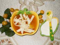 Zupa z mirabelek z makaronem naleśnikowy