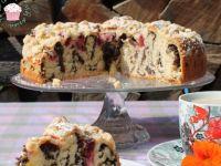 Zwijane ciasto drożdżowe z makiem i śliwkami