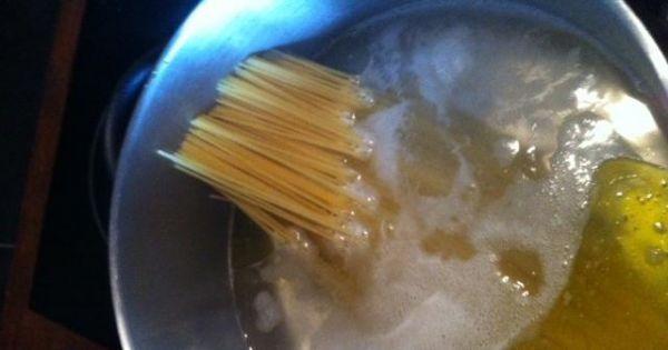 Białe spagetti - Zaczynamy od tego co zajmie najwięcej czasu- Makaronu!