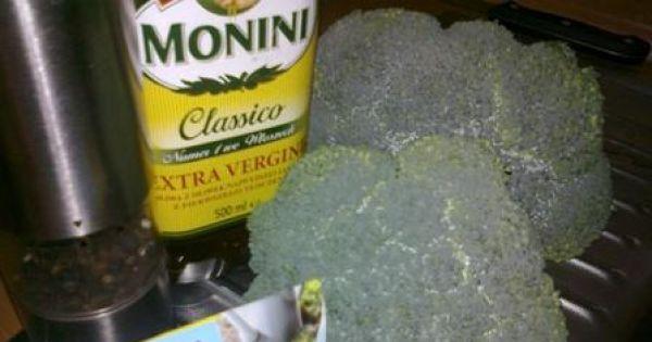 Brokuł z ziołami - Główne produkty to : brokuł, oliwa z oliwek , przyprawa ziołowa, pieprz.