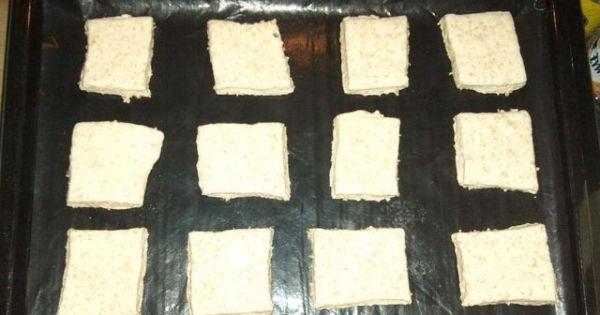 Bułki pszenno-żytnie z otrębami - Bułeczki ułożyć na papierze lub specjalnej macie do pieczenia Odstawić do napuszenia na około 30 minut