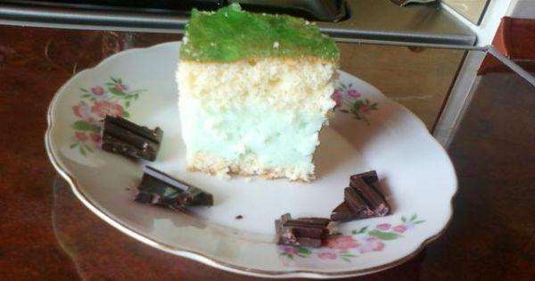 Ciasto miętusek - Taki deser z chęcią zjedzą najmłodsi . Od samego początku spodobał mi się przepis !
