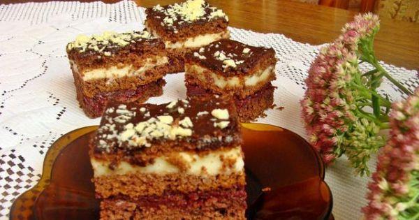 Ciasto piernikowe - Ciasto po zastygnięciu i odczekaniu kilku godzin podzielić na porcje