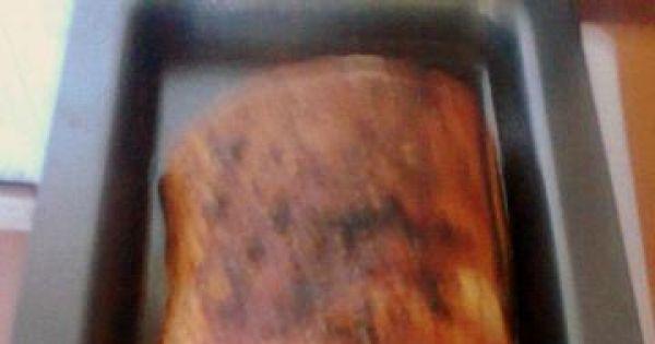 Faszerowany boczek  pieczony - Zwinięty boczek pieczemy w piekarniku obracając go co jakich czas i podlewająć wodą i tłuszczem