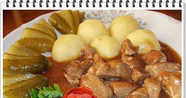 Gulasz z sosem pieczeniowym Eli - Gulasz duszony z ciemnym sosem pieczeniowym,podany z ziemniakami i ogórkami małosolnymi.