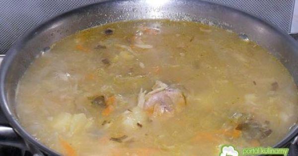 Kapuśniak z dodatkiem cukinii - Ugotowane ziemniaki łączymy z ugotowaną kapustą i żeberkami