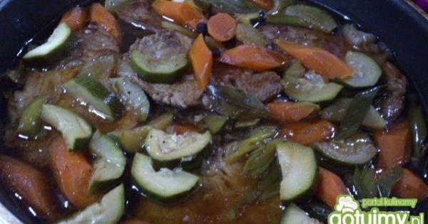 Karczek duszony w warzywach - gdy wszystko będzie prawie miękkie odparować nadmiar bulionu