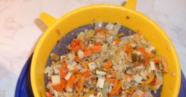 Kasza gryczana zapiekana - Ugotowane warzywa   odsączamy i studzimy.