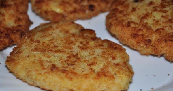 kotlety ryżowo-serowe - rumiane kotlety ryżowo-serowe, wygląd jak pospolite a wnętrze zagadkowe