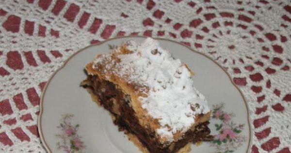 Kruche ciasto z bakaliami - po ostudzeniu mozna posypac cukrem pudrem