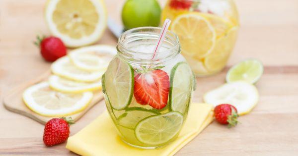 Lemoniada z limonką i truskawką