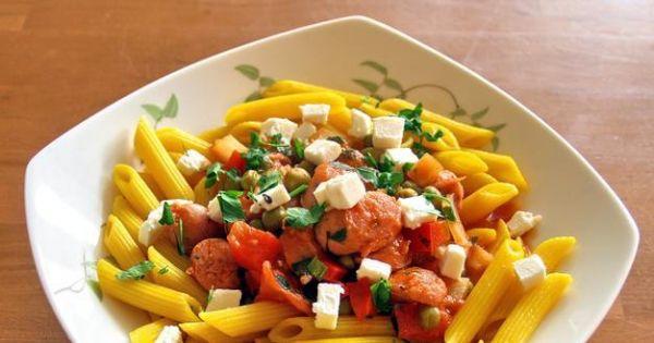 makaron z sosem pomidorowym i kiełbaską - makaron z sosem pomidorowym i kiełbaskam