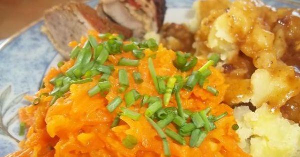 Marchewka zasmażana - Gotowa zasmażana marchewka podana do obiadu.