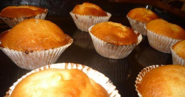 Muffinki z budyniem  - Tak wyglądają gotowe muffinki/babeczki :)
