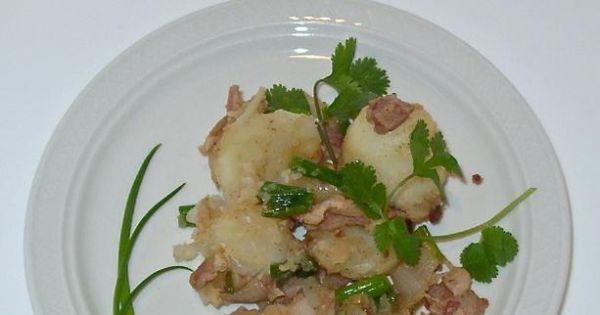 Niemiecka sałatka ziemniaczana - Smaczna sałatka ziemniaczana sama w sobie lub jako dodatek.