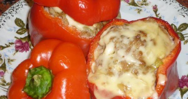 Papryka faszerowana mięsem mielonym - Nafaszerowaną paprykę podajemy na gorąco.