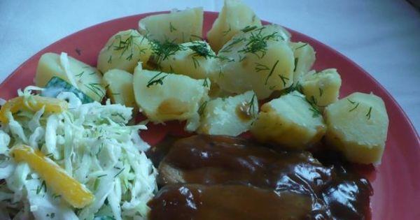 Pieczeń w ciemnym sosie - Mięso można też wcześniej doprawić sosem sojowym .