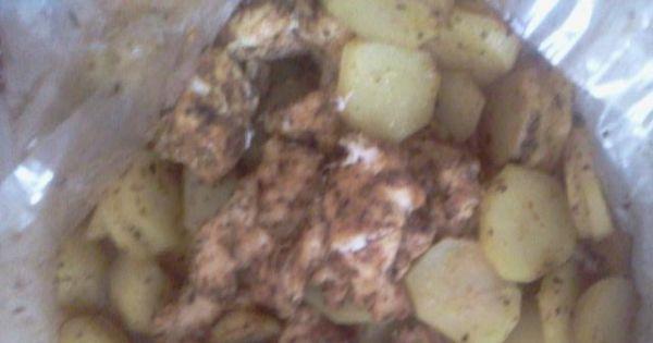 Piersi z kurczaka pieczone z ziemniakami - Pierś z kurczaka pieczona z ziemniaczkami w rękawie