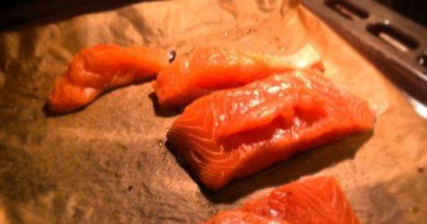 Podstawowy przepis na łososia - Rybę włożyć do mocno nagrzanego piekarnika