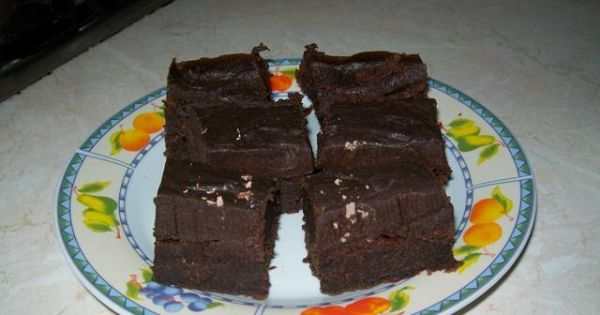 Pyszne ciasto czekoladowe - Pyszne ciasto czekoladowe z kremem również czekoladowym.