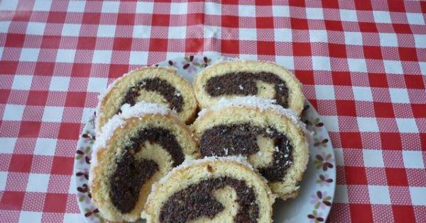 Rolada biszkoptowa z makiem - Roladę z makiem można posypac kokosem lub tartą czekoladą.