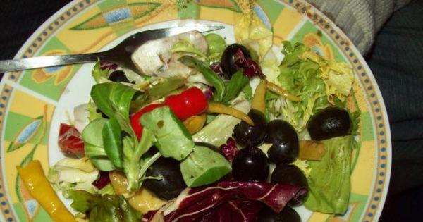 Sałatka szybka i smaczna  - pyszna kolorowa i zdrowa sałatka z sałaty