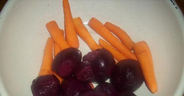 Sałatka z buraków ćwikłowych i jabłek 4 - Buraczki obieramy ze skory , tak samo robimy z pozostałymi warzywami.