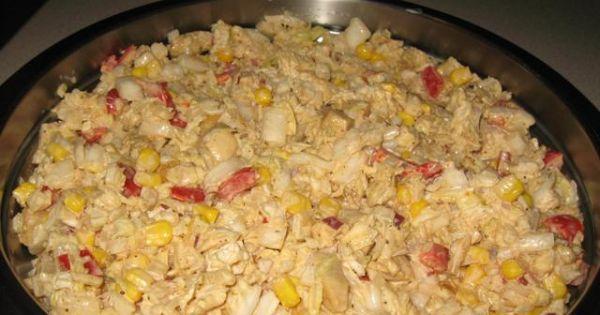Sałatka z kapusty pekińskiej i kurczaka - Gotowa sałatka z kapusty pekińskiej i kurczaka w przyprawie gyros z warzywami.