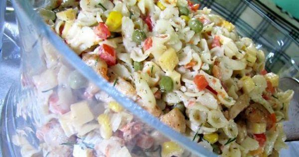 Sałatka z kurczakiem i makaronem - Zdjęcie główne