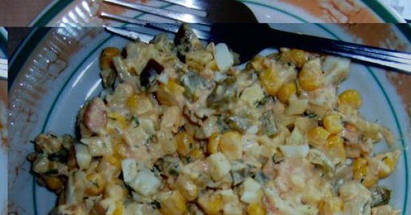 Sałatka z łososiem i jajkiem - Sałatka schłodzona, gotowa do jedzenia :)