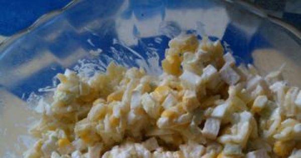 Sałatka z makaronem i świeżym ogórkiem - Wiosenna sałatka o ciekawym smaku, szybka i prosta!