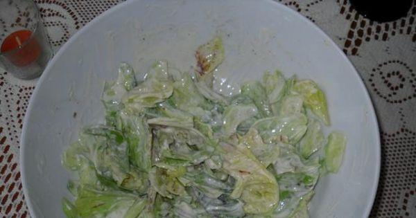 Sałatka z sałaty - gotową sałatkę piodajemy do obiadu lub dan z grilla