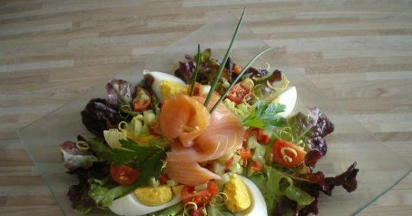 salatka z wedzonym lososiem - salatka z wedzonym lososiem