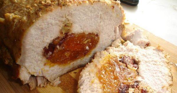 Schab faszerowany morelami i żurawiną - Pyszne mięso do drugiego dania, a także dobrze smakuje na zimno