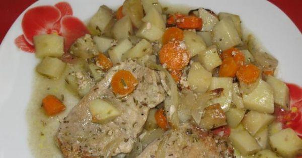 Schab z ziemniakami z piekarnika - schab zapieczony z ziemniakami i warzywami.