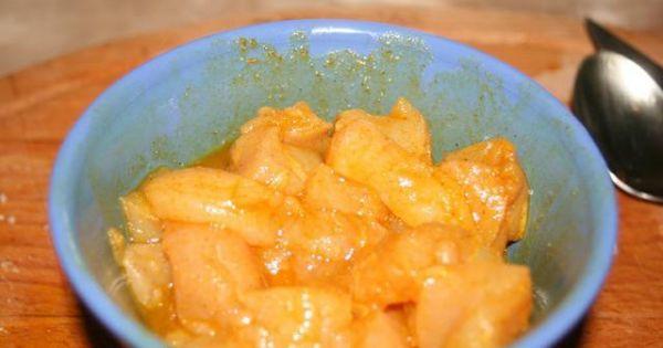 Shoarma(Szałarma) z ryżem - Kurczaka kroimy w drobną kostkę i przekładamy do marynaty. Odstawiamy na minimum godzinę do lodówki.