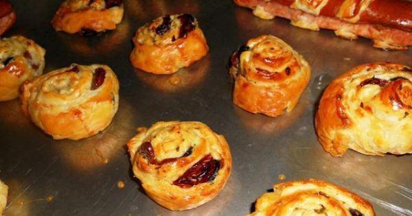 Ślimaczki z francuskiego ciasta - Piec do zrumienienia w dobrze nagrzanym piekarniku.