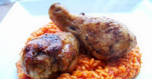 Smażone pałki z kurczaka z ryżem - obiad powstał w ekspresowym tempie i jeszcze szybciej zniknął z talerza
