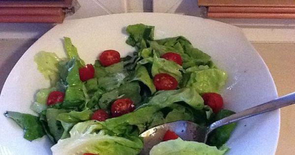 sos winegret z miodem - Tym razem sałata z pomidorkami koktajlowymi, było pysznie :)
