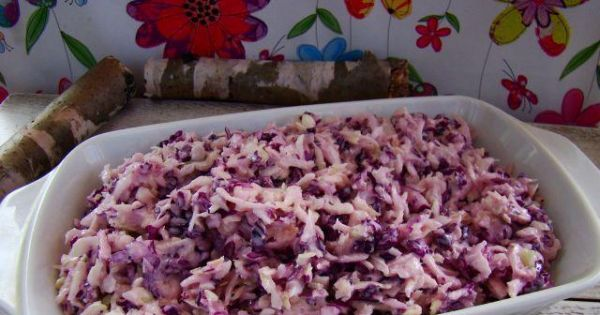 Surówka z czerwono - białej kapusty  - Smaczna kapuista biało czerwona z sosem majomnezzowym