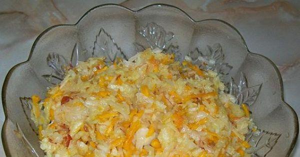 Surówka z dyni i kapusty kiszonej - Dodajemy 2-3 łyżki oleju i doprawiamy do smaku.