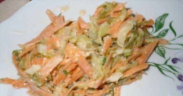 Surówka z marchewki i kiszonego ogórka  - surówka marchewkowo - ogórkowa