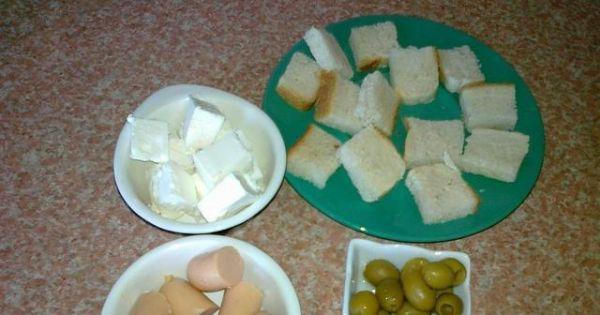 Szybkie koreczki z serem feta - Przygotowane skłądniki do smacznych koreczków