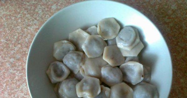 Uszka z suszonymi grzybami - Pyszne uszka z grzybów suszonych gotowe do podania