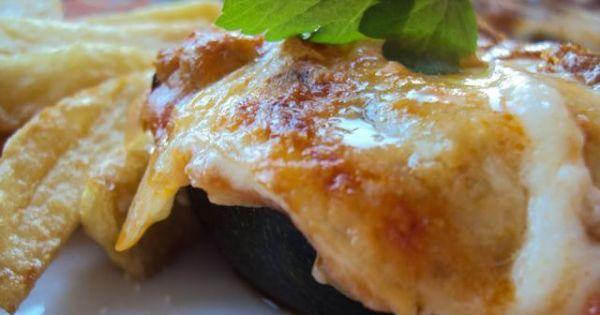 Zapiekanka z cukinii i mięsa mielonego - Przepyszna cukinią pod pierzynką z sosu pomidorowego, beszamelu i mozarelli