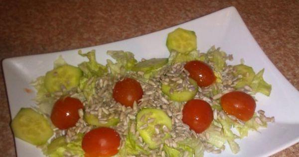 Zdrowa sałatka z ziarnem słonecznika - Zdrowa lekka sałatka z ziarnem słonecznika